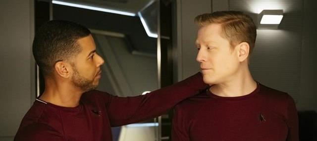 Wilson Cruz og Anthony Rapp som homoseksuelt kærestepar i Star Trek:Discovery - Gays in space!